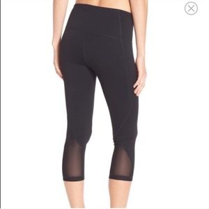 Zella | High waisted crop black leggings back mesh
